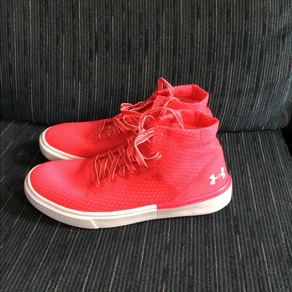 57bc3f5460383 Under Armour Grade School UA Kickit2 MidLWT Shoes NWT